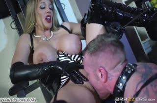 Развратницы обожают фетиш порно с извращениями №186