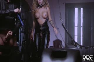 Скачать жесткое БДСМ порно видео №3437