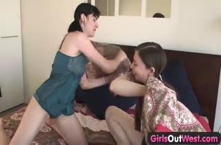 Смачное домашнее порно видео с милашкой №3665