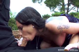 Подружка показывает мастерский оральный секс №3650
