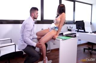 Классное порно видео в офисе с работниками №3478