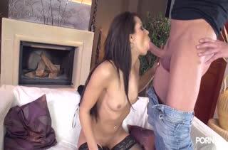 Порно с аппетитными телочками в чулках №3405