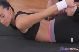 Порно видео с подтянутыми милашками в лосинах №3299